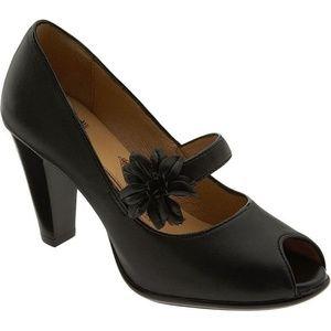 Sofft geva black leather peep toe pumps